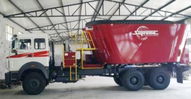 卡车自走式TMR搅拌车的液压维护